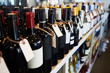 Licenza per prodotti alcoolici: reintrodotta ma non per l'agenzia delle dogane